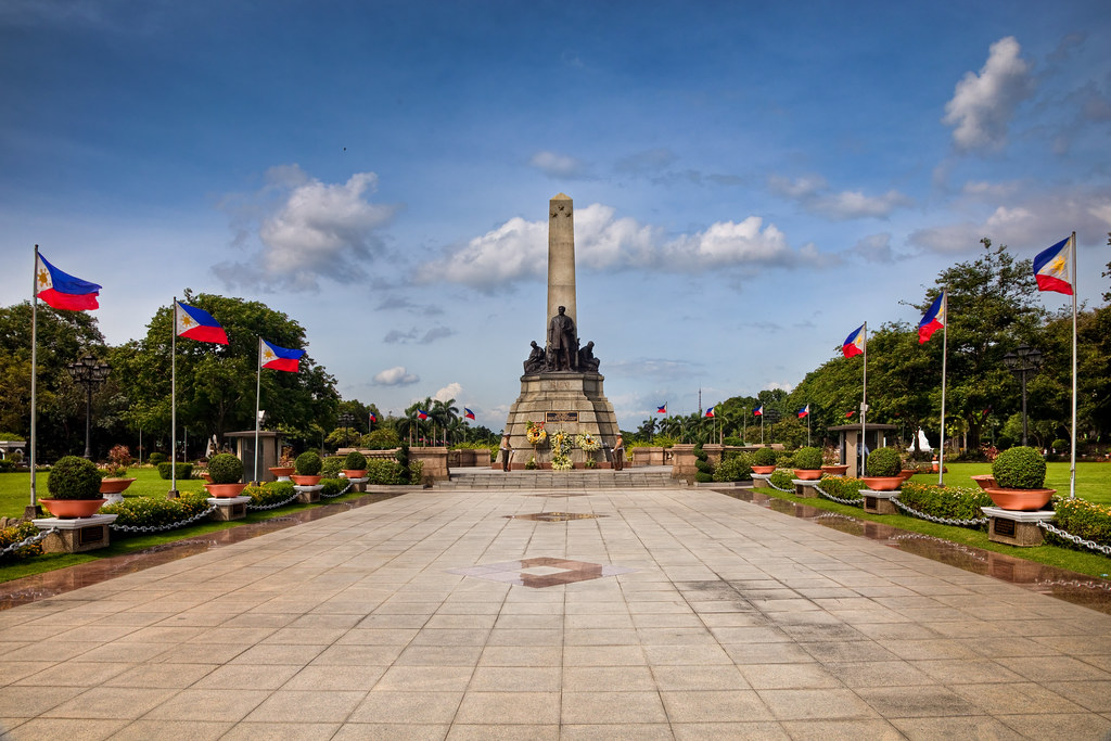 The Rizal Monument (photo credits to owner c/o link)
