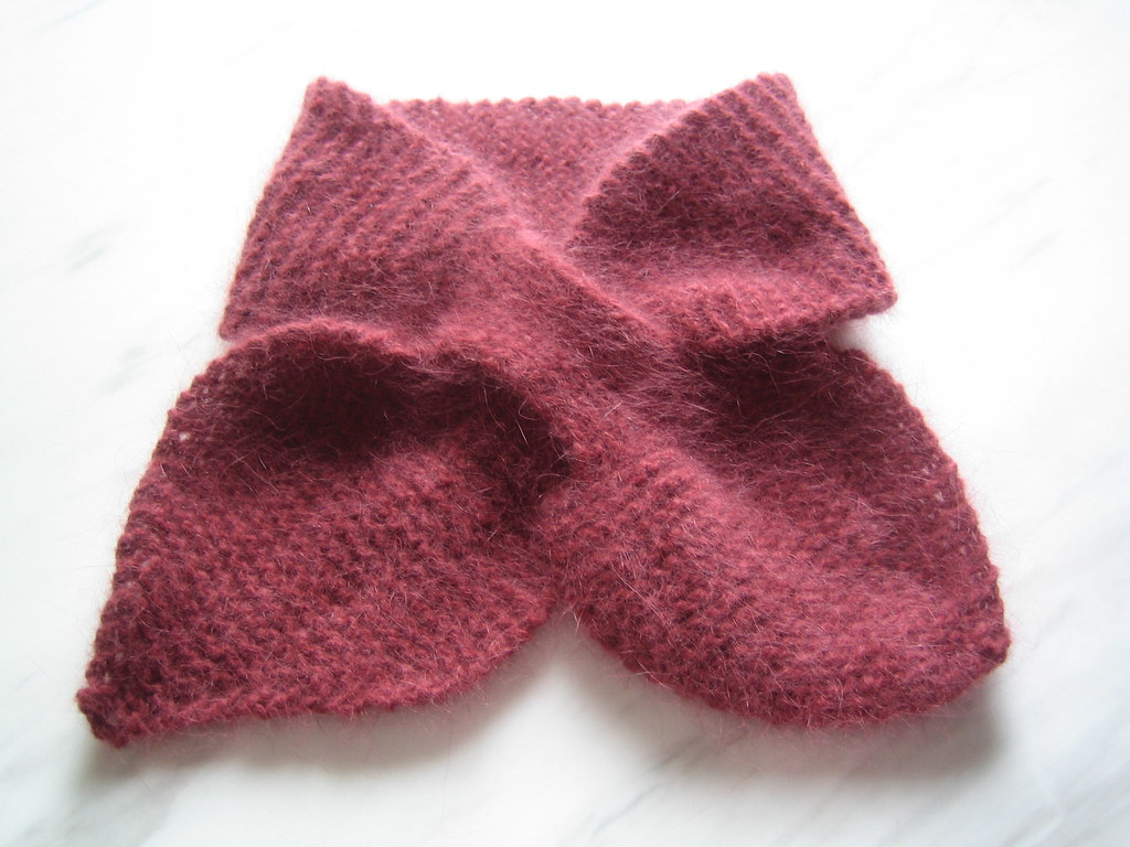 Free Knitting Pattern For Bow Knot Scarf : Bow-Knot Scarf by Katherine Burgess Free pattern from Delp? Flickr