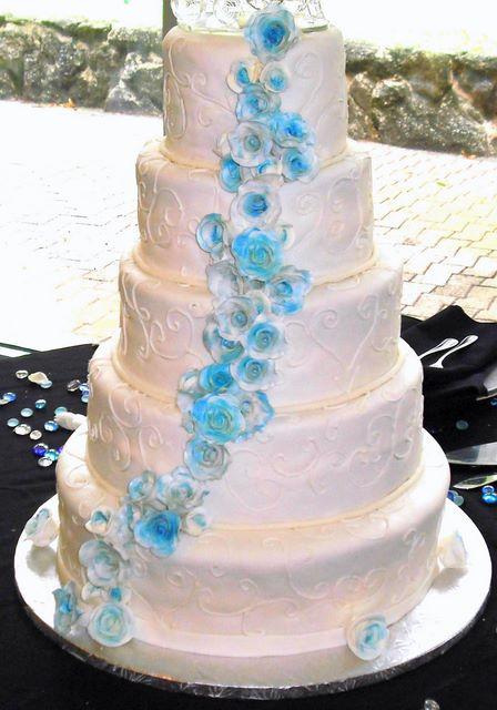 Almond Amaretto Wedding Cake
