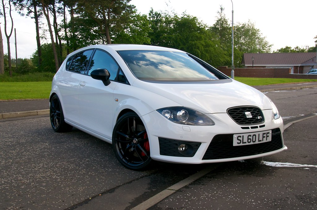 craig 39 s 2010 seat leon cupra r now with gloss black wheel. Black Bedroom Furniture Sets. Home Design Ideas