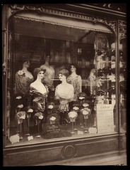 Coiffeur, Bd. de Strasbourg | by George Eastman House