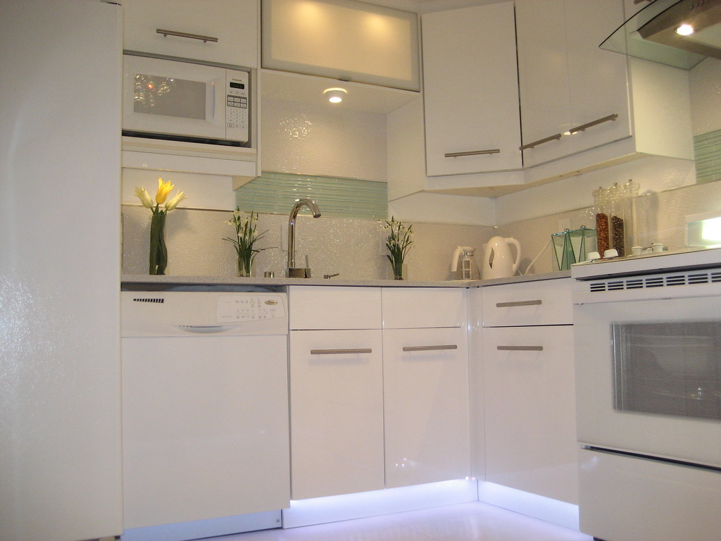 white ikea kitchen cabinets ikea kitchen ikea kitchen cabinet bbethan flickr 28607