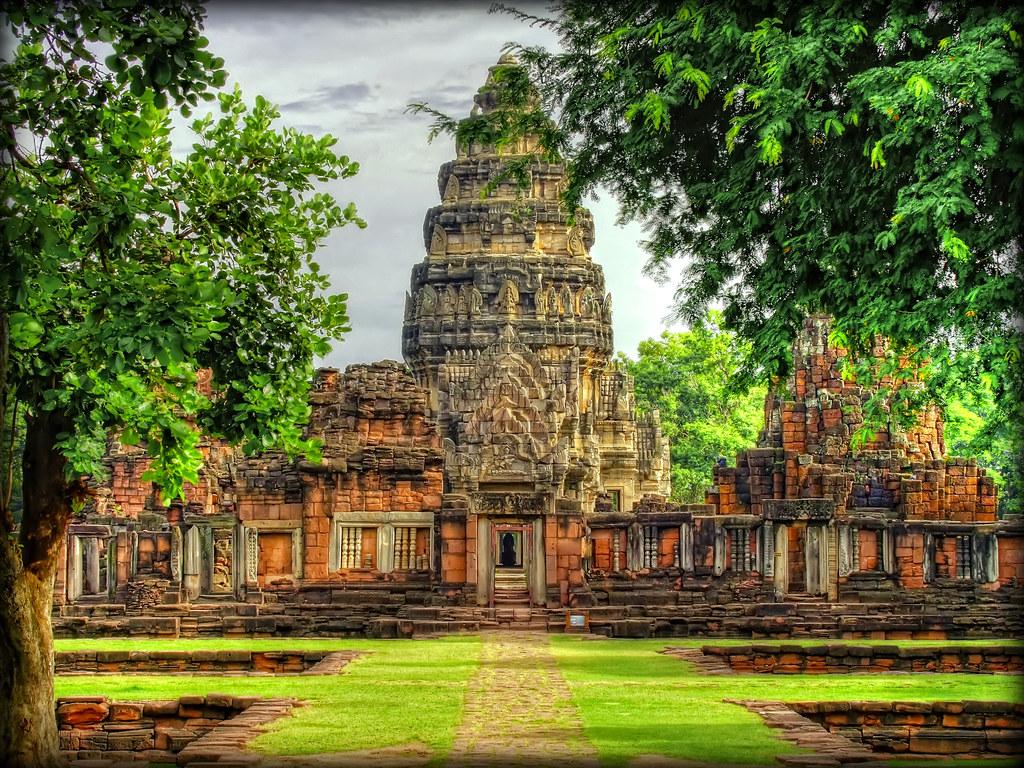 Passageway to the Central Sanctuary  Prasat Hin Phimai ...