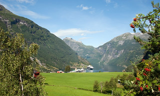 Cruise ships at Geiranger | by tonybill