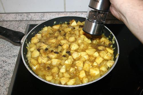 39 - Mit Pfeffer & Salz würzen / Season with pepper & salt