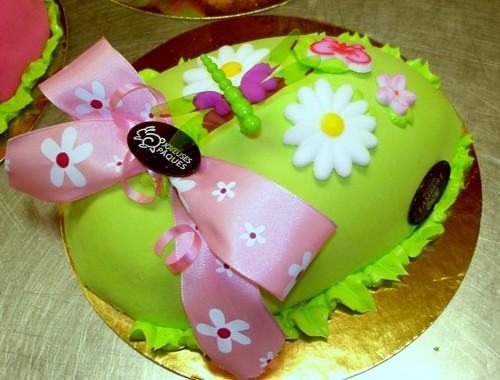 Easter egg cake   Hélène   Flickr