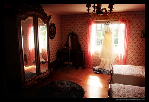 MARIAGE / WEDDING : The Red Room and the Dress | by Sebastien LABAN