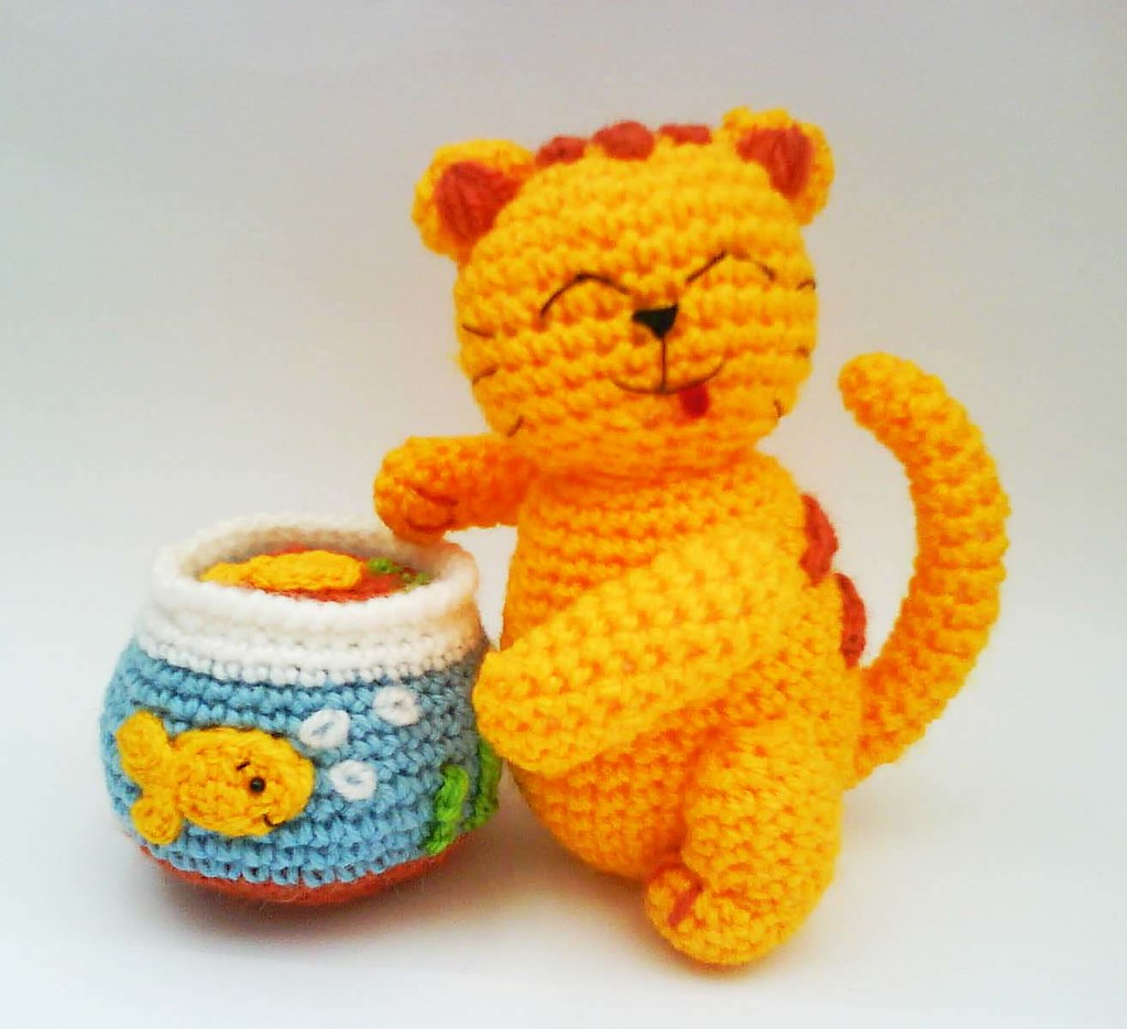 Cheshire Cat Amigurumi Crochet Pattern Free : Kitty Cat with Godfish Tank Amigurumi Crochet Pattern Flickr