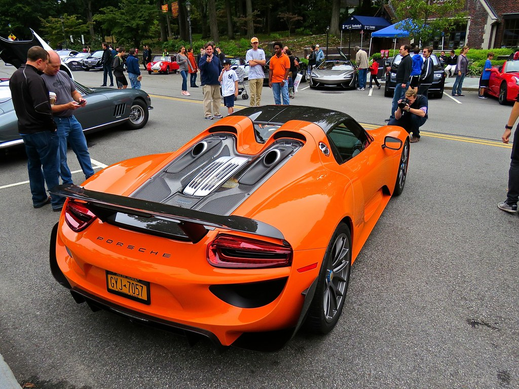 Porsche 918 Weissach Orange 9