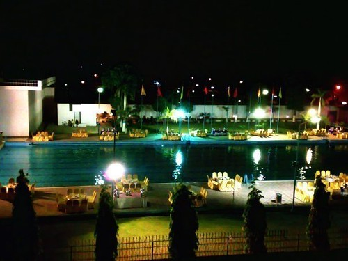 Uet lahore swimming pool asad flickr - Swimming pool in bahria town lahore ...