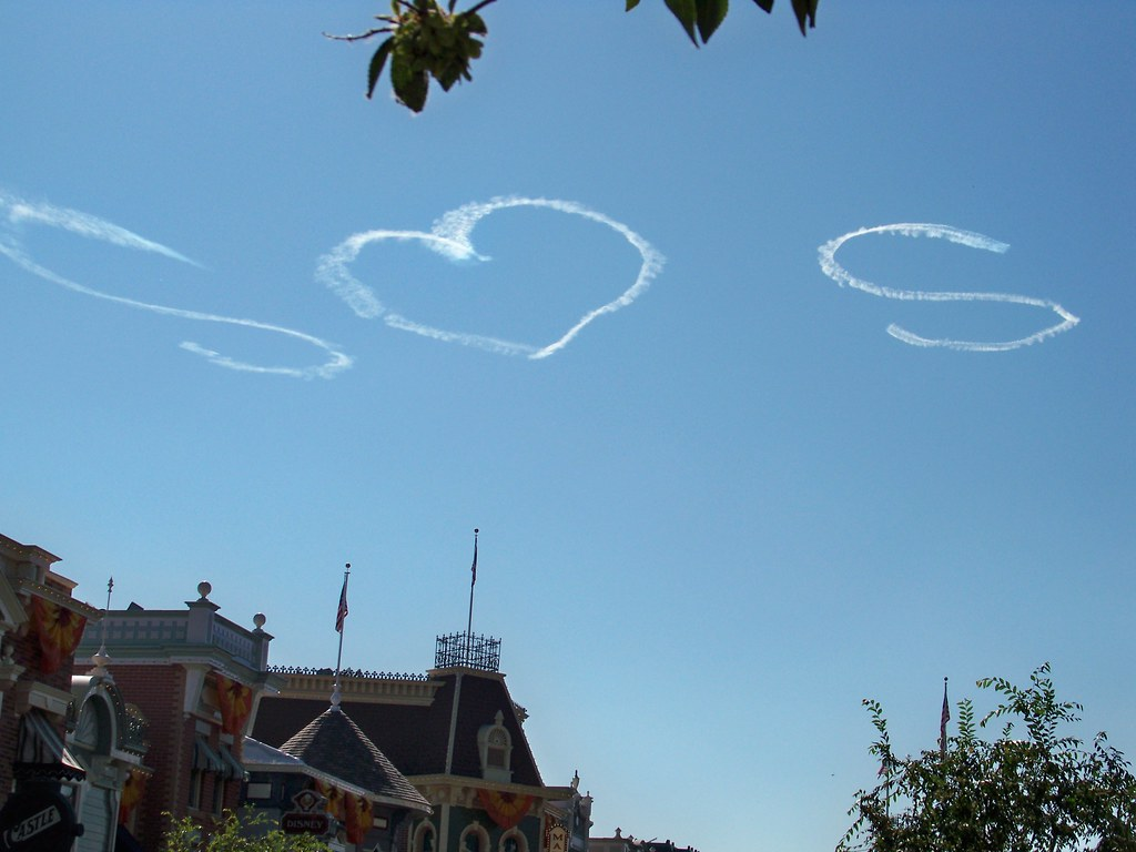 Nationwide Skywriting & Skytyping Services