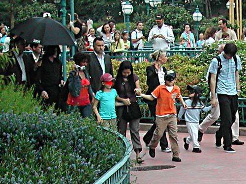 Michael Jackson and his children in Disneyland Paris | Flickr