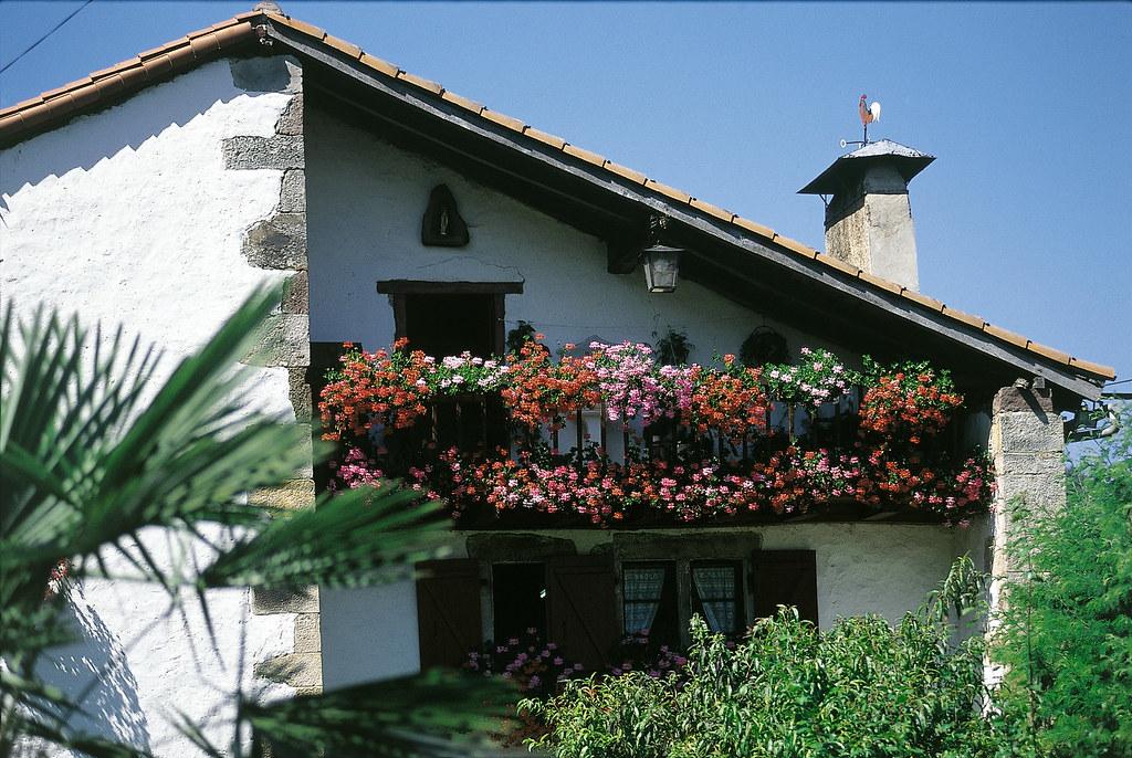 Maisons basques architecture flickr - Architecture maison basque ...