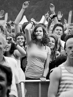 Parkpop 2009 - Dancing girl | by Haags Uitburo