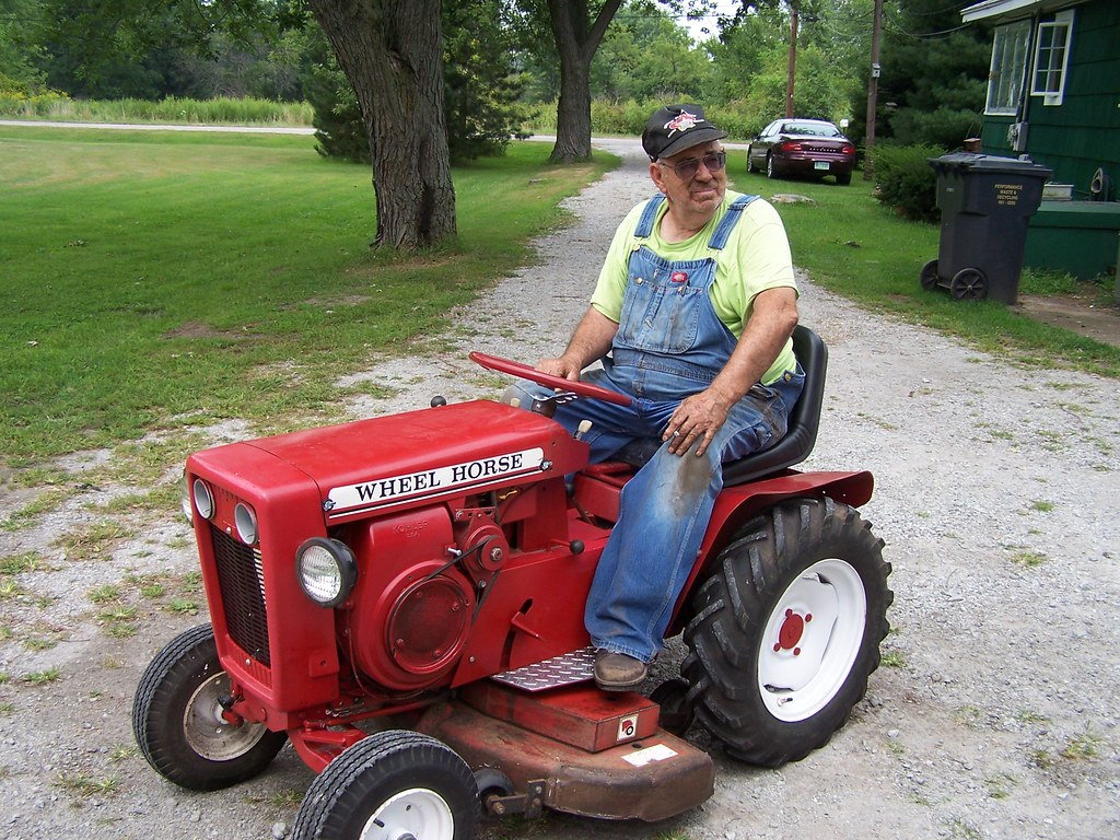 1964 Wheel Horse Tractor : Wheel horse tractor this has