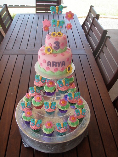 Cake Designs For Baby Girl 3rd Birthday : Mossy s Masterpiece - Arya s 3rd birthday butterfly & flow ...