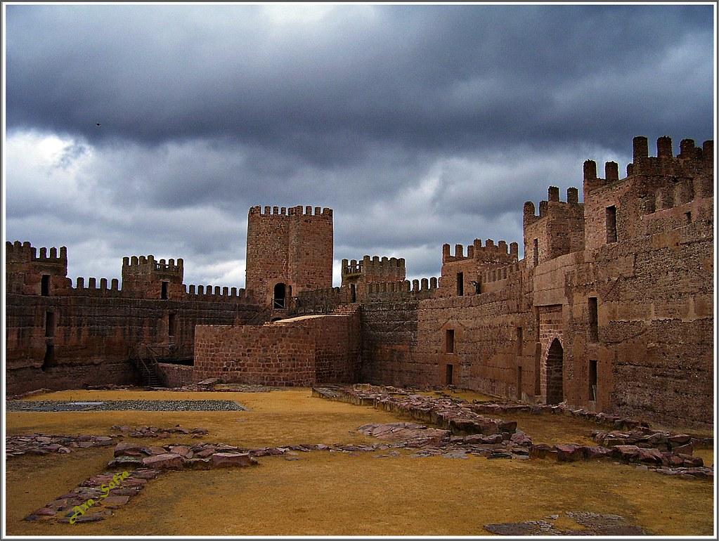 Castillo de ba os de la encina ja n el castillo de bur flickr - Castillo de banos de la encina ...