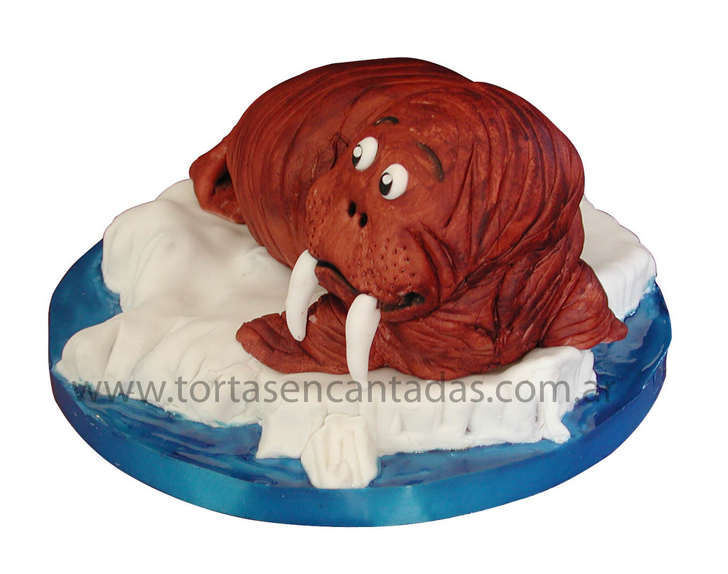 Walrus Cake (front) /Torta de Morsa | Another angle of the ...