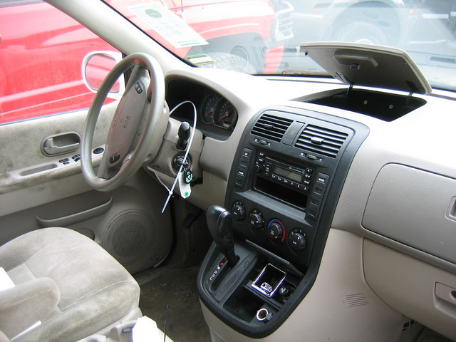 ... 05 KIA Sedona Interior  Stock #0205p9 | By Ecautosalvage