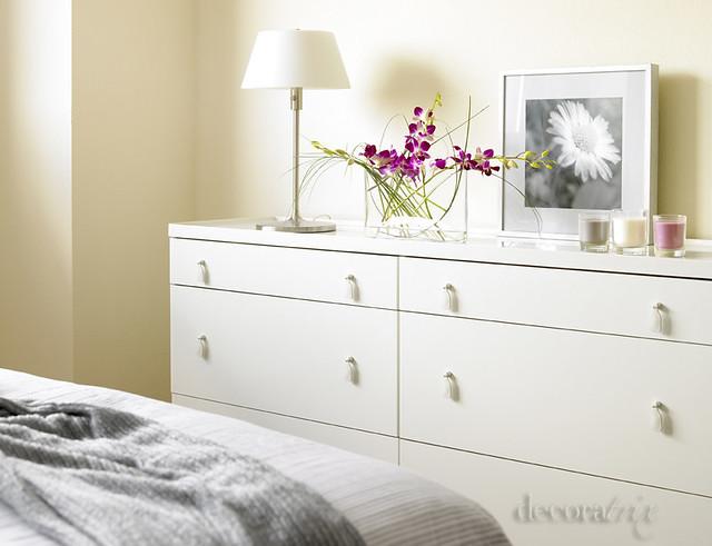 La c moda a los pies de la cama por su planta cuadrada e flickr - Comodas originales ...