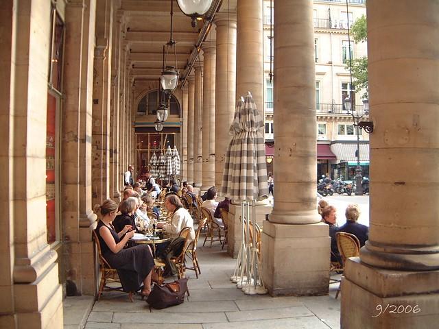 Cafe Le  A Paris