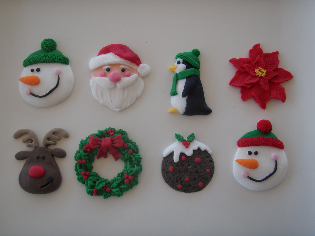 Christmas Cupcake Decorations : Mossy s masterpiece - Christmas cupcake toppers ...