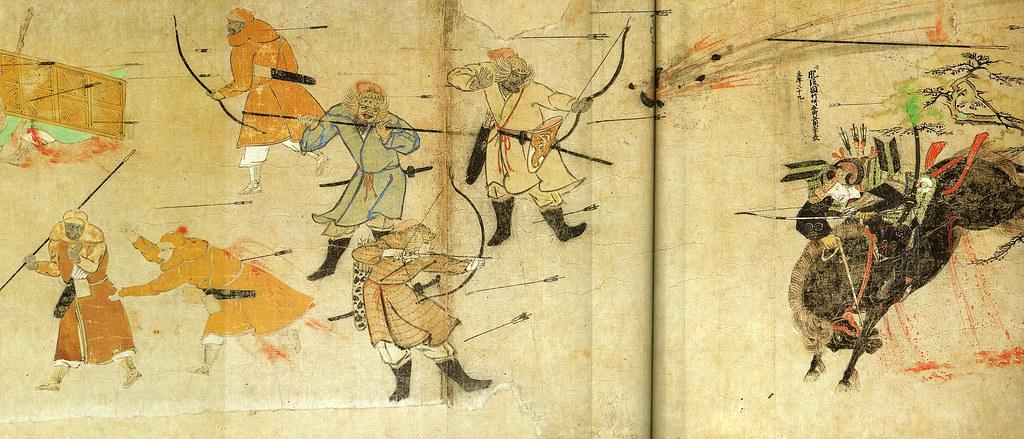 蒙古襲来絵詞 竹崎季長奮戦 竹崎季長に向かって弓・槍を構える蒙古兵は、後世(数百年経った江戸期)の追筆という見方
