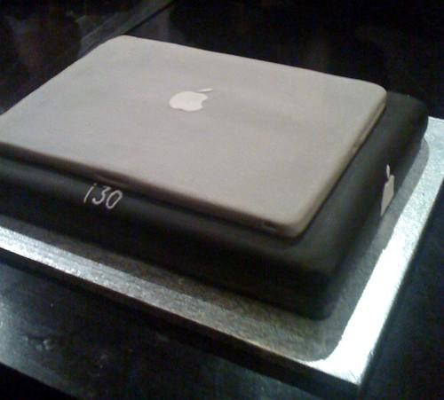 macbook cake | s p r i n k l e z (Ridwana Hannan) | Flickr