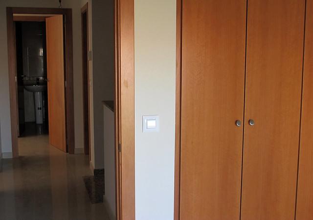 Puertas y armarios de madera para m s informaci n www - Armarios de madera ...