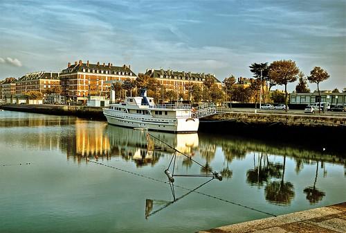 8992 bassin du commerce le havre france beautiful reflec flickr - Bassin pour balcon le havre ...
