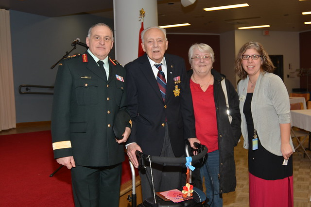 The Minister of Veterans Affairs and Associate Minister of National Defence visits Parkwood Institute