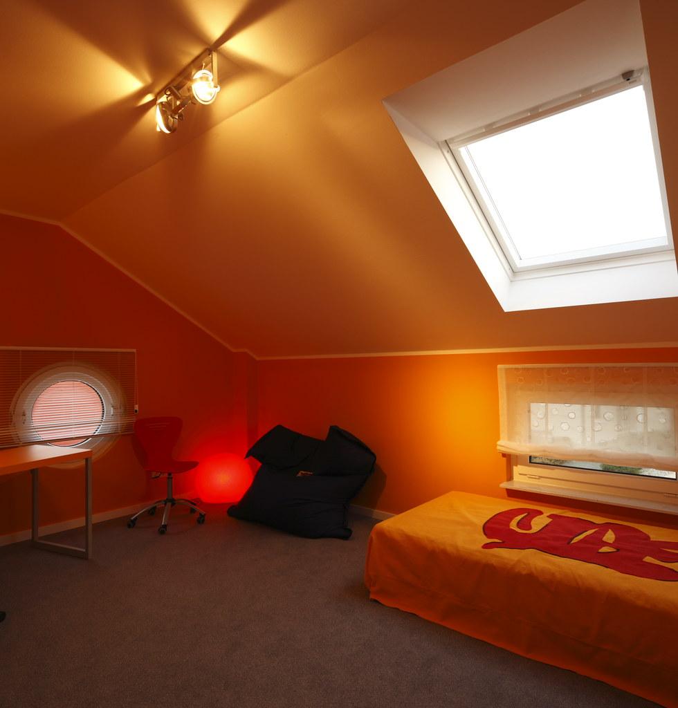 okal musterhaus mannheim zimmer mit gem tlicher dachschr g flickr. Black Bedroom Furniture Sets. Home Design Ideas