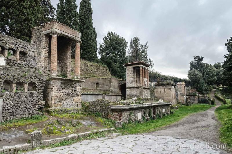 cementerio en la visita a Pompeya