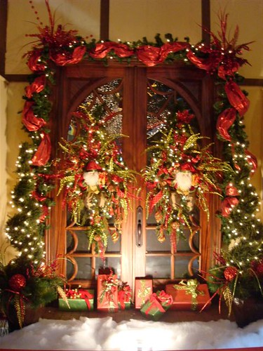 2009 southern christmas show a beautiful holiday display Christmas decorations for house outside ideas