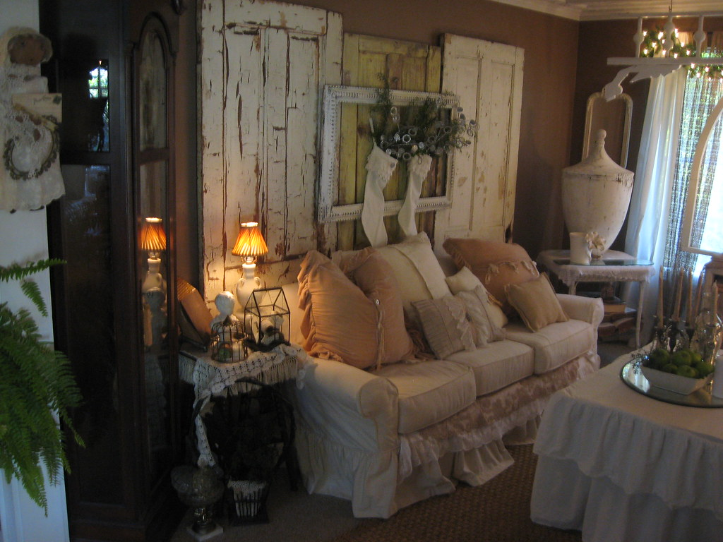 Shabby chic living room ann perry flickr - Papier peint salon salle a manger ...