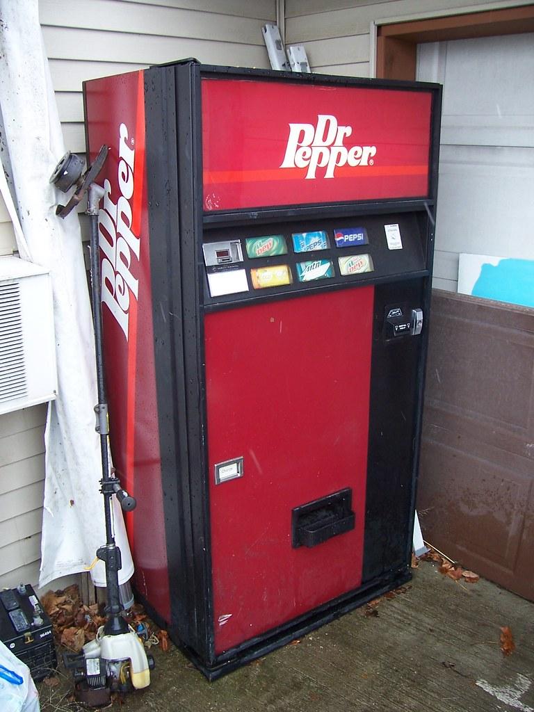 vintage dr pepper vending machine an old dr pepper vendin flickr