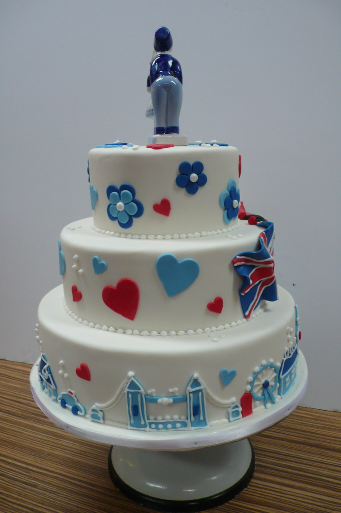 cheap wedding cakes london tower bridge wedding cake zoe elizabeth gottehrer 12534