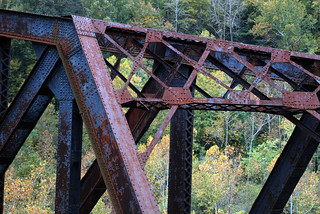 how to get to the abandoned rail bridge near brickworks