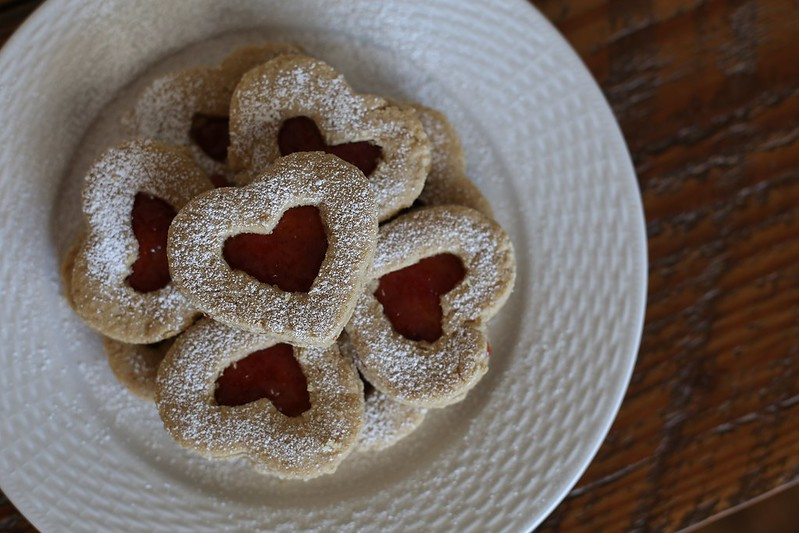 V- day Linzer cookies