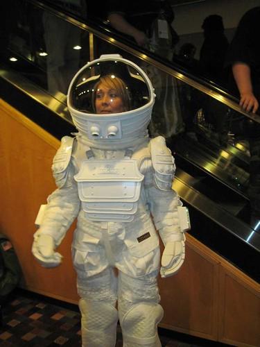 dallas alien 1979 space suit - photo #7