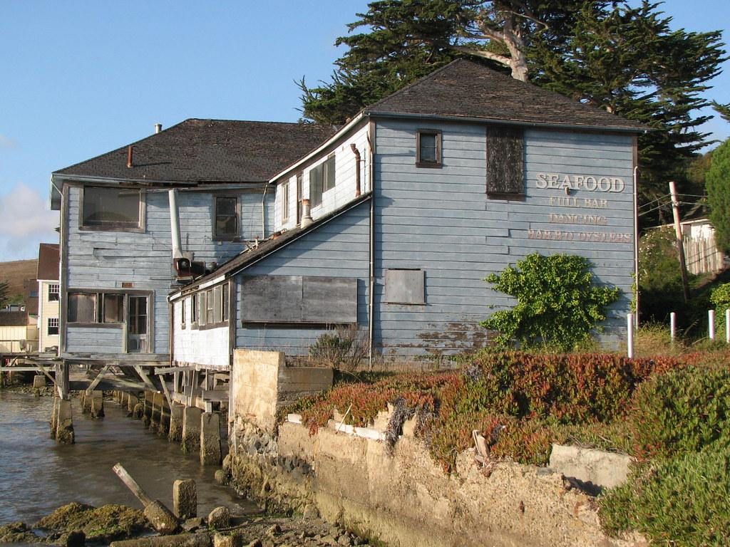 Tavern  Bay City Phone Number