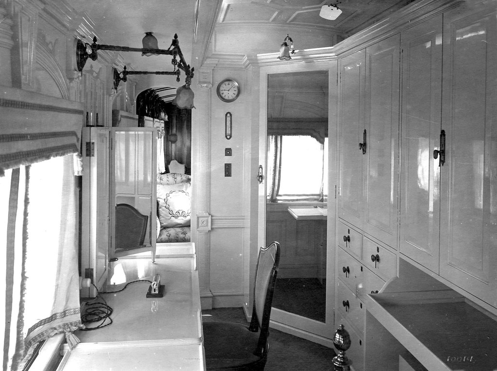 The royal train interior and bedroom duchess id 10014 hiltont flickr - Interior images ...