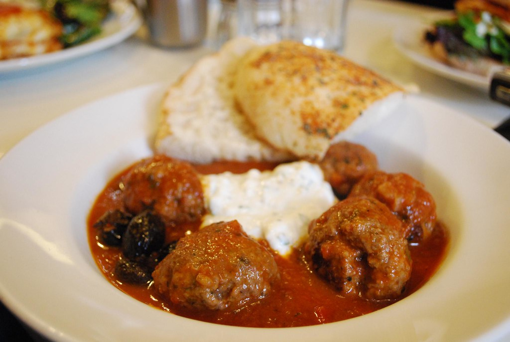 Greek keftedes meatballs with turkish bread and mint yoghu for About turkish cuisine