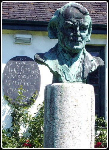the role and influence of lloyd george as a minister of munitions Radical agitator but was determined to play the more influential role as a   lloyd george was thus how far he should lend his influential support to   minister of munitions, then as war secretary, and ultimately as prime.