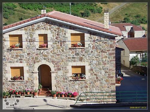 Casa rural de piedra en riocavado de la sierra rural sto for Casa rural mansion terraplen seis