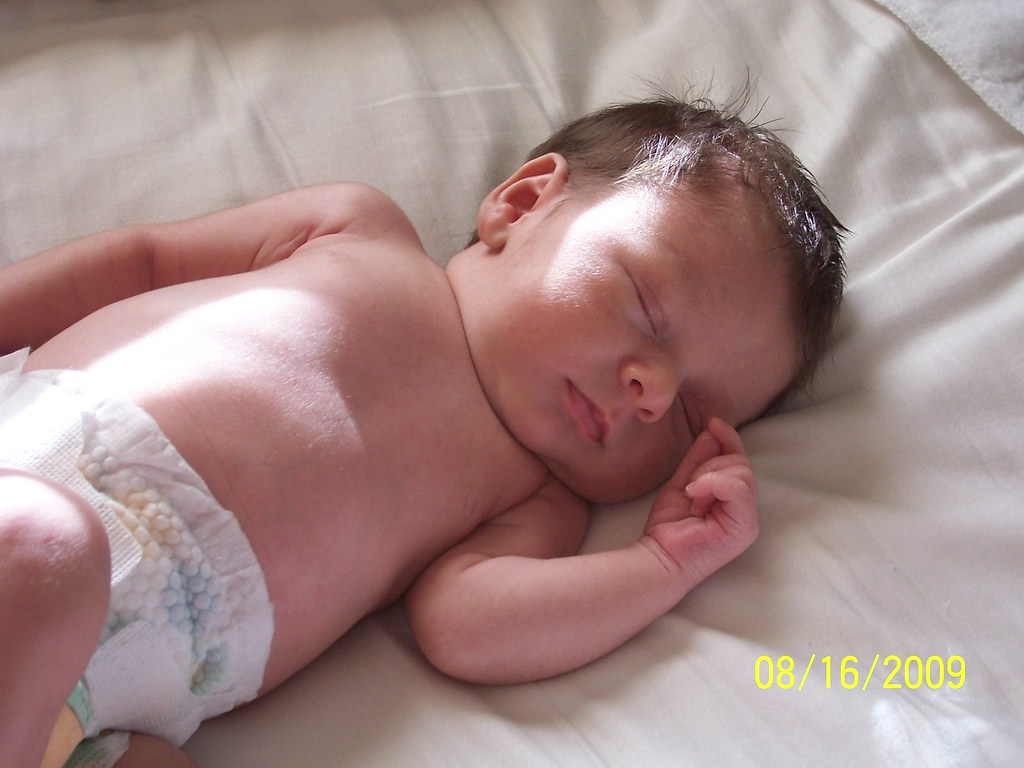 4 week old baby | Photo submitted by Babies Online Member Ka… | Flickr