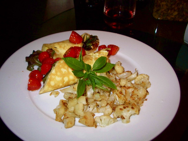 Skinny Omelette with Pan-Fried Cauliflower and Roasted Cherry Tomatoes ...