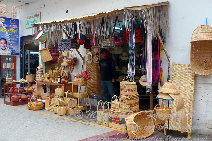 Tienda de artesanias - Catacaos | Una de las tiendas de la C… | Flickr