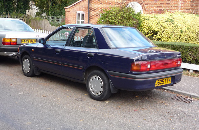 1991 92 Mazda 323 16 Saloon