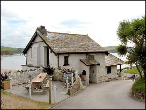 Pilchard Inn, Burgh Island, Devon | by Lincolnian (Brian) - BUSY, in and out